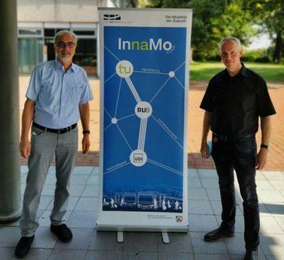 Prof. Weyer zusammen mit Dr. Pohlmann von der DSW21.